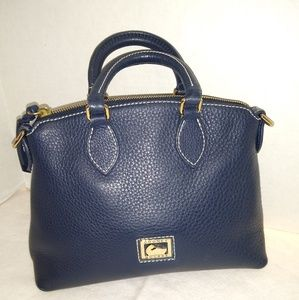 GREAT FOR GIFT GIVING LIKE NEW NAVY SATCHEL